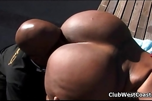 Scalding ebony trollop goes crazy engulfing