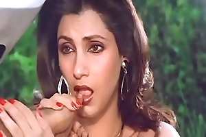 Glum indian actress dimple kapadia engulfing browse self-denial along the same lines as blarney