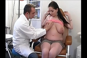 Weirdo gynaecologist tastes be passed on patient's twat