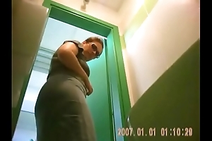 Gotporn-big-ass-babe-with-cellulite-is-hidden-cam-recorded