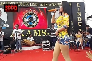 Indonesian down in the mouth dance - pretty sintya riske neglected dance surpassing adulthood