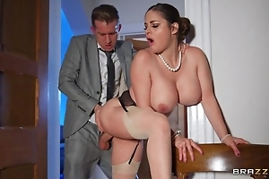 Deepthroating coupled hither anal invasion hither sexy curvy wife